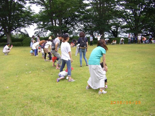 芝の広場で色々なゲームで楽しみました!